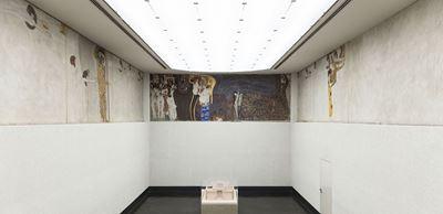 Show Beethoven Frizi, 1902, Sıva üzerine kazeinli boya, yarı değerli taş kakmalar, kamış zemin, 220 x 2400 cm, Österreichische Galerie Belvedere, Vienna, Avusturya. details